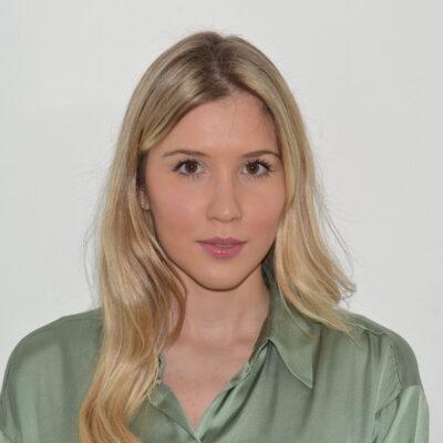 Dottoressa Scaccio Martina docente di anatomia e fisiologia dei corsi per estetista e parrucchiere